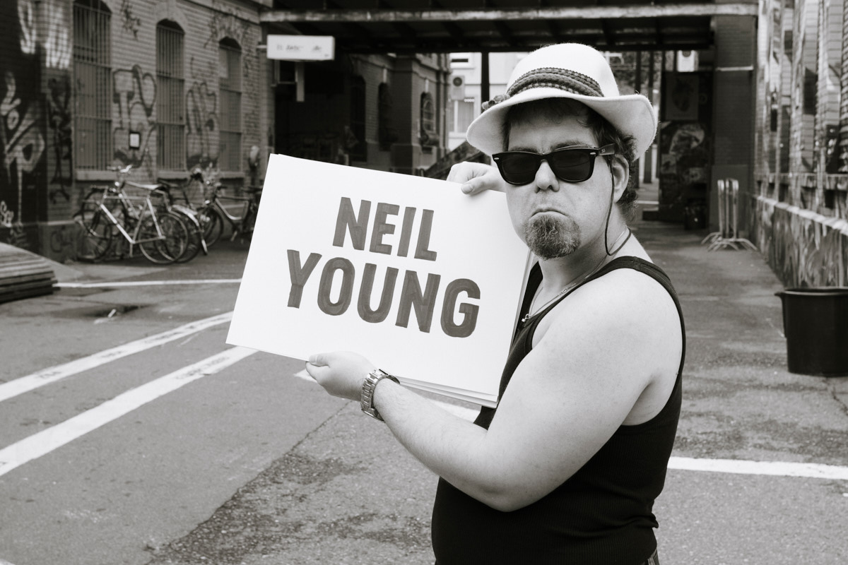 Theate Hora: Neil Young